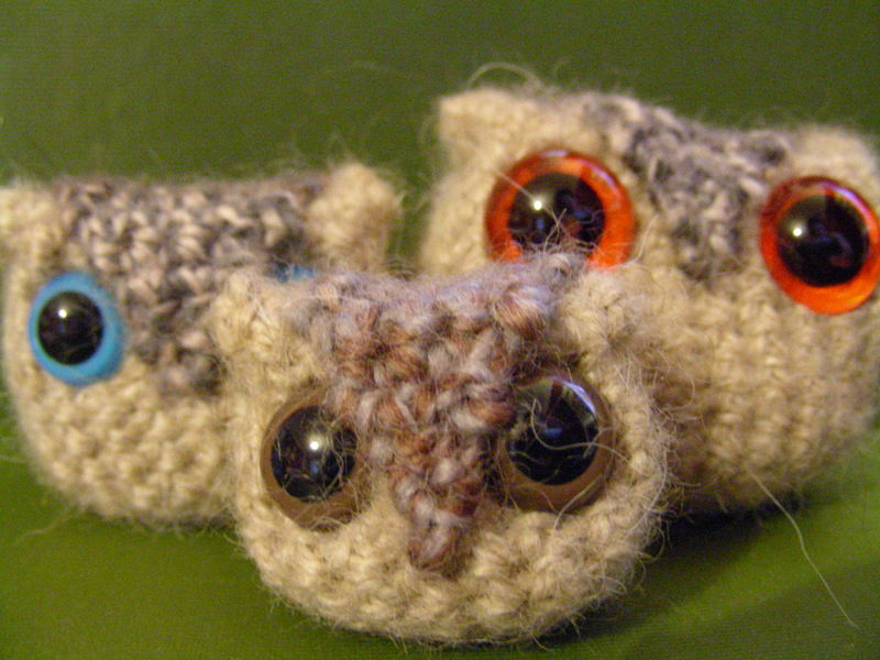 http://littlegreen.typepad.com/photos/uncategorized/2007/12/08/owls.jpg
