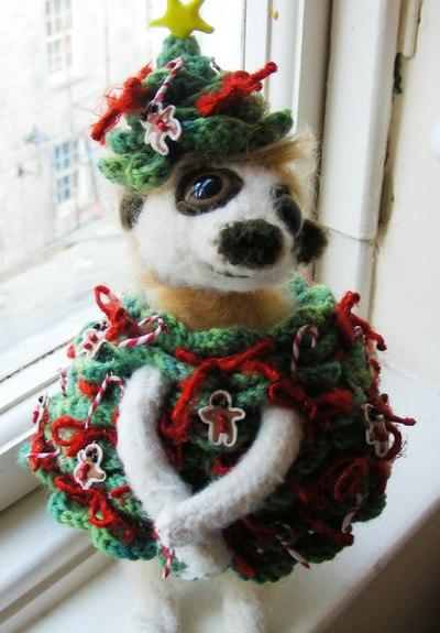 Christmas_meerkat_smile