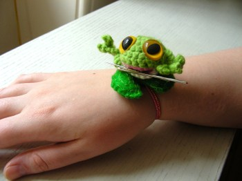 Frog_on_wrist